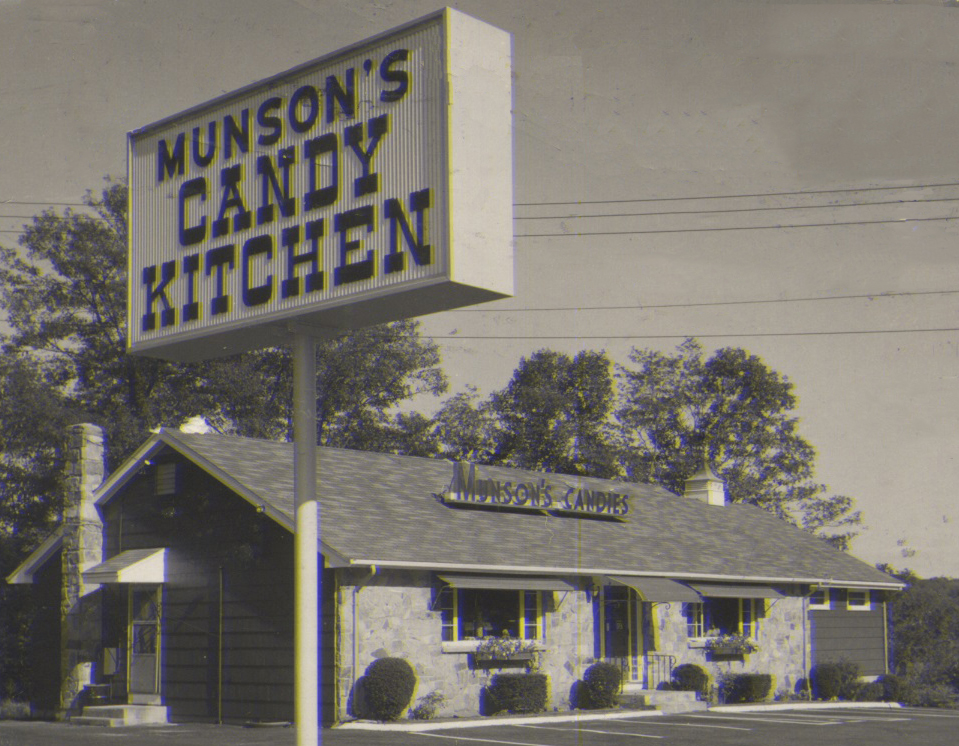 Munson's Candy Kitchen in 1954